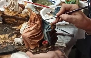 Policromado de una imagen de la Virgen para un Nacimiento. Talleres de Arte GRANDA.