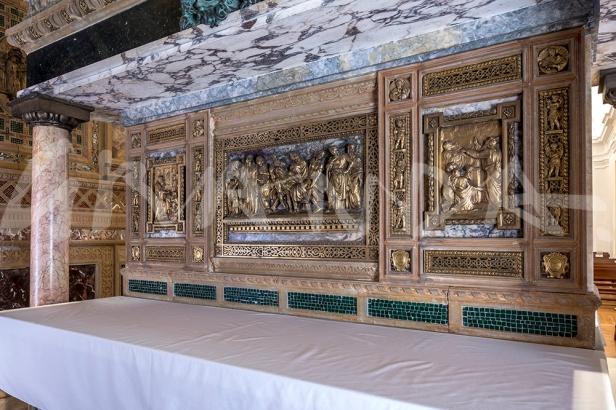 Altar anterior y posterior.